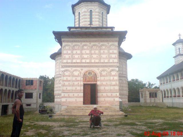 BISERICA Mihai Vodă de la manastire