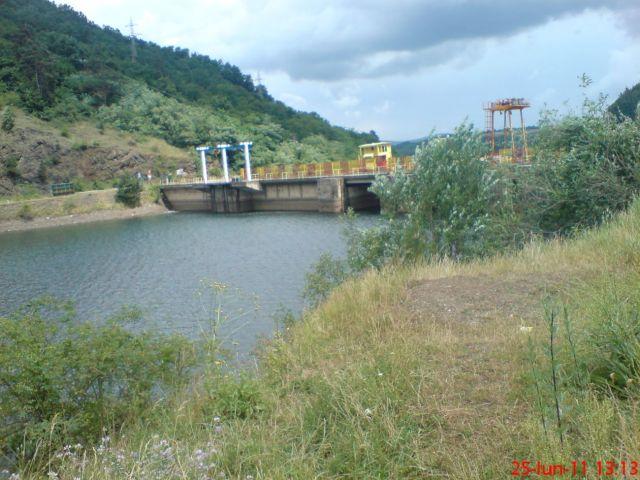 Barajul de la Tarniţa