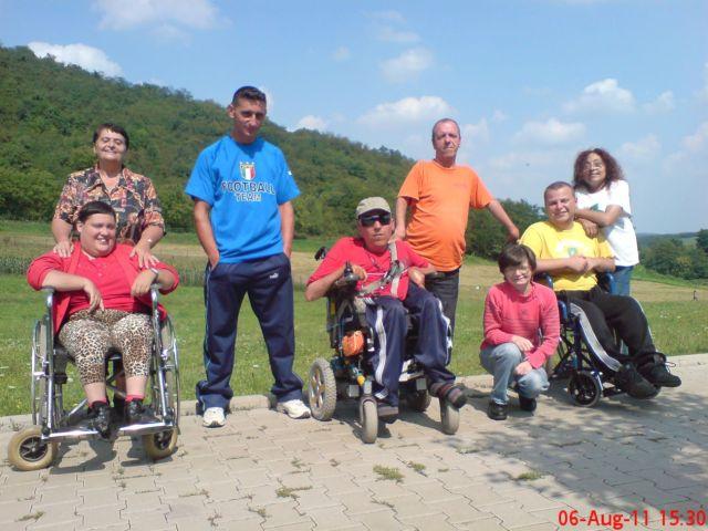 Diana şi Mama ei, Andrei, Eu, Ion, Geta, Cristi şi Erika